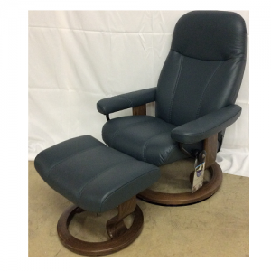 EkornesStressless Consul Small w/Classic Walnut Base