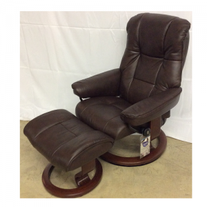 EkornesStressless Mayfair Small Chair & Ottoman Classic Base